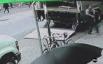 New York: il vole au hasard un seau qui contenait 1,6 million de dollars d'or (vidéo)