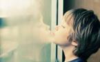 Autisme: un texte anti-psychanalyse d'une centaine de députés fait hurler les psys