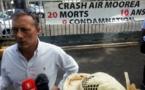 Crash d'Air Moorea : les proches des victimes manifestent devant le tribunal