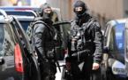 Entre meetings et visites de terrain, la campagne se poursuit sous menace terroriste