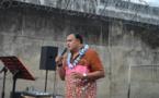 Rocky Gobrait chante pour les détenus de Nuutania