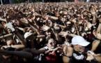 Non loin des stars internationales, des jeunes pousses du web français se défient sur scène