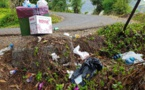 La route du Belvédère polluée par des déchets