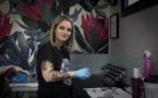 Alexia Cassar, la tatoueuse qui répare les seins des femmes