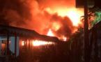 Deux fare détruits par le feu dans la nuit à Punaauia, deux blessés graves