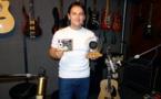 Florent Atem primé à Hawaii pour un album de ukulele