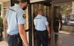 A 18 ans, il vole à plusieurs reprises des touristes à Papara