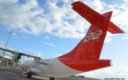 """Des passagers furieux d'être pris """" en otage """" par Air Tahiti à l'aéroport de Faa'a"""