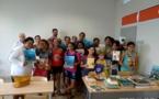 Une centaine de livres offerts aux collèges de Teva i Uta et de Taravao