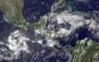 Le cyclone Adrian, rétrogradé en tempête tropicale