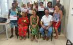 Des collégiens récompensés pour leur idée de sacs solaires en pandanus