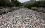 """ONU: accord sur une réduction """"significative"""" du plastique à usage unique"""