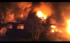 Spectaculaire incendie à Faa'a : un voisin filme ses efforts pour sauver sa maison (vidéo)