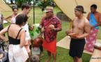 Rencontre entre Tupaia et Cook : un bel échange culturel à Mahina