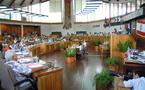 L'assemblée adopte à reculons la baisse des indemnités des élus et du gouvernement