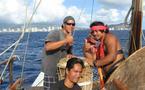 L'expédition Faafaite fait route vers Tahiti, témoignages de jeunes marins