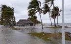 Les vents violents et la forte houle causent des dégâts à Rangiroa et Raroia