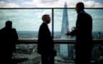 Un homme escalade à mains nues le plus haut gratte-ciel londonien