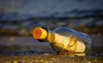Une bouteille à la mer pour la victime d'un attentat échoue en Italie