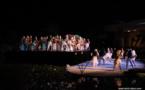 Hitireva enchante la scène du Te Hura Nui