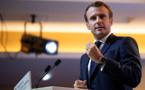 Immigration, voile: Macron s'explique dans Valeurs actuelles, la gauche offusquée