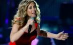 Covid-19: Lara Fabian chante pour les soignants de quatre pays
