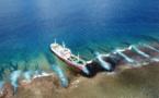 Des traces de pollution autour du navire chinois échoué à Arutua