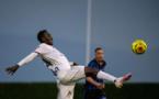 Ligue 1: Lyon ouvre le bal du retour du foot pro en France