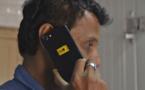 """Inde: une """"puce"""" en bouse censée protéger des radiations téléphoniques"""