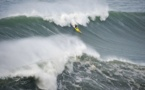Le surfeur Hawaïen Garrett McNamara en quête d'un nouveau record au Portugal