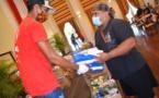 50 paniers garnis distribués à 34 familles de Pirae