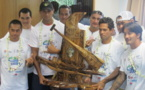 Remise du Trophée Perpétuel Tahiti Nui Va'a au Club Entreprise AIR TAHITI
