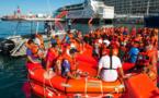 Exercice d'évacuation d'un ferry en feu