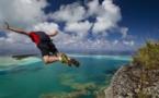 Maupiti star de la vidéo d'un base jumper