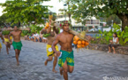 Heiva Tu'aro Ma'ohi : les vaillants coureurs de porteurs de fruits