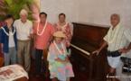 Le piano du Quinn's installé à la mairie de Papeete