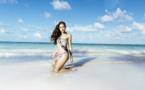 Hinarere Taputu et les prétendantes à Miss France 2015 en bikini