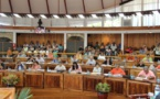 La convention pour le RST adoptée par les représentants, les amendements des pro-Flosse rejetés