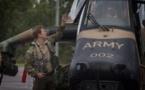 Le Prince Harry s'exerce en hélicoptère dans le bush australien