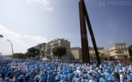 A Nice, 6.000 salariés chinois battent le record de la plus longue phrase humaine vue du ciel