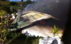 Une maison ravagée par un incendie à Taiarapu Est