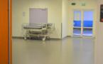 L'infirmier effectue une fellation sur un patient de l'hôpital psychiatrique