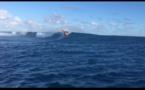 Sur la vague de Teahupo'o avec le windsurfeur Boujmaa Guilloul