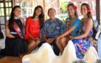 Miss Tahiti et ses dauphines rencontrent Robert Wan