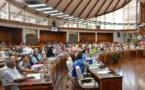 """Les élus polynésiens """"vent debout"""" face à la diminution annoncée des dotations de l'Etat aux communes"""