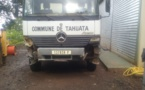 Tahuata : le camion de la commune qui transportait du coprah s'est renversé