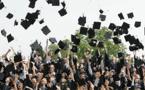 GB: Fini le lancer de toques à la remise des diplômes!