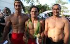 Tainui Lenoir à gauche, Vaihau Bottari et Charlie Faatoa