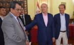 Juppé promet de maintenir défiscalisations et surrémunération des fonctionnaires