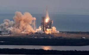 SpaceX veut envoyer deux touristes autour de la Lune fin 2018